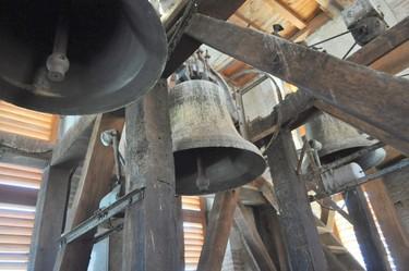 les cloches de l'église de Soues
